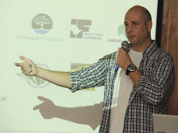 Rodrigo Machado apresentou o guia prático para atuação a partir da fiscalização ambiental preventiva Guia da Formação Socioambiental