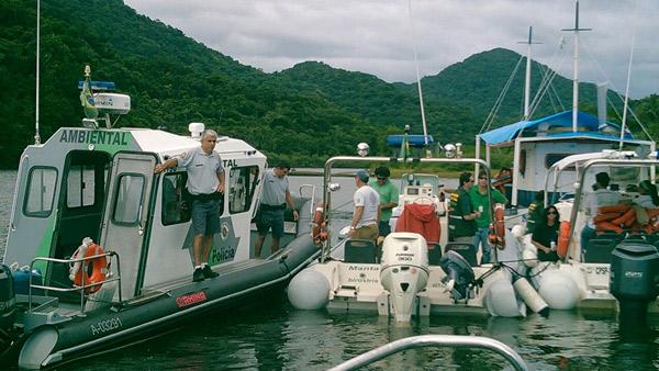CFA e Polícia Ambiental fiscalizam a pesca de camarão