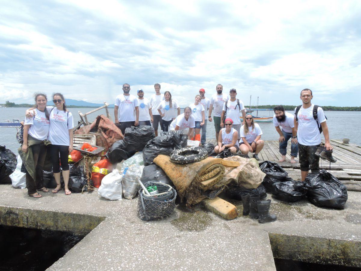 Mutirão em Cananéia recolhe quase 1 tonelada de lixo em 3 horas