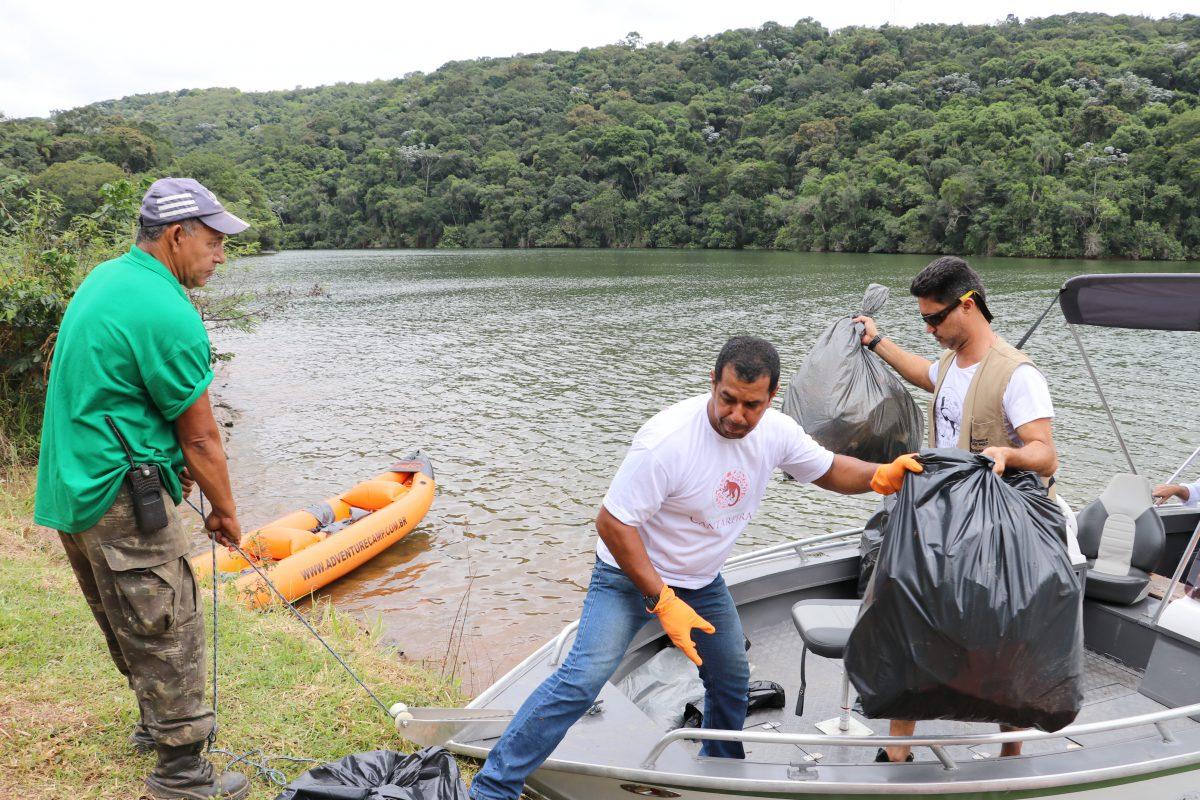 P.E. Juquery realiza megaoperação de limpeza no Dia Mundial da Água