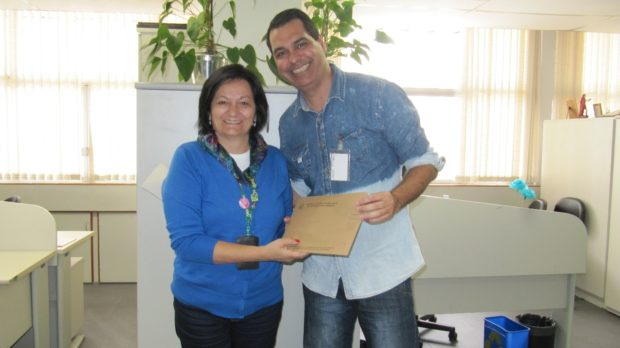 Santos entrega documentos PMVA