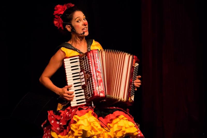 Dona Velha encerra a programação do ano no Espaço de Leitura