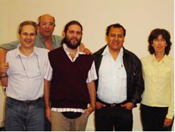 Da esquerda para a direita: Professores Marcos Silveira Buckeridge (IB/ USP), Marcos P. M. Aidar (colaborador, Fisiologia/ IBt), o Mestrando Mauro A. Marabesi, Prof. Carlos Alberto Martinez y Huaman.(USP/ Riberão Preto) e a Dra. Marisa Domingos (Ecologia/ IBt)