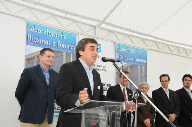 Inaugurado em São Paulo o primeiro laboratório público no país para análises de dioxinas e furanos