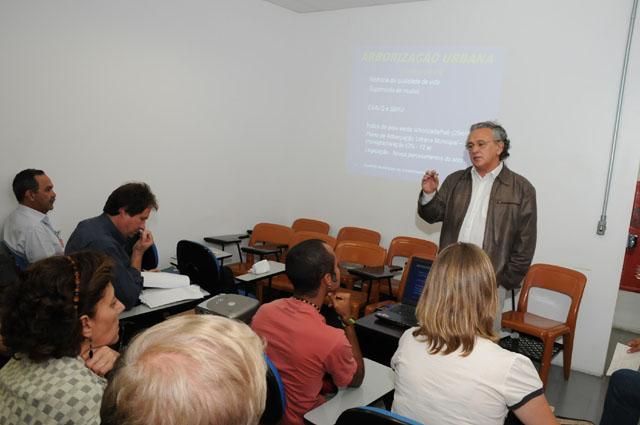 """Interlocutores têm """"reforço"""" para elaborar plano de metas do Município VerdeAzul"""