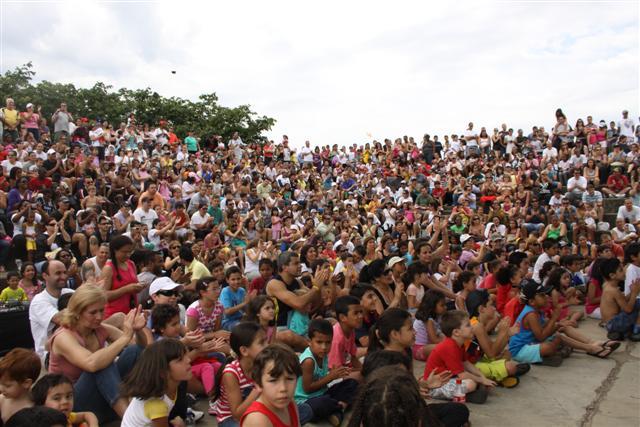 Teatro Criança Ecológica faz apresentações no dia mundial do meio ambiente