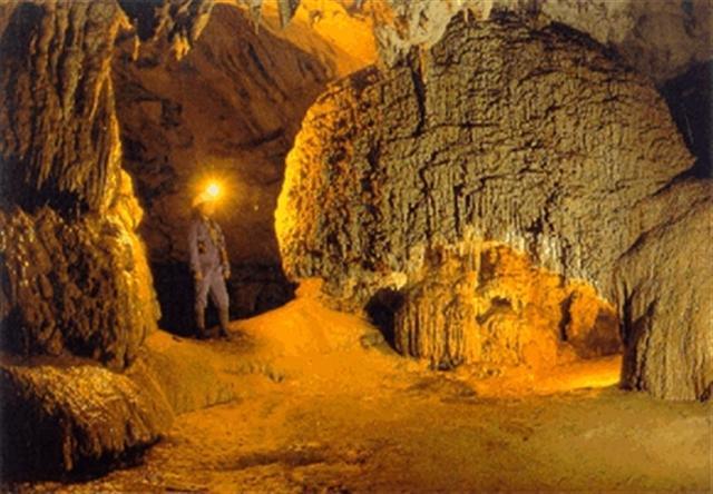 Monumento geológico constitui a principal atração no PETAR