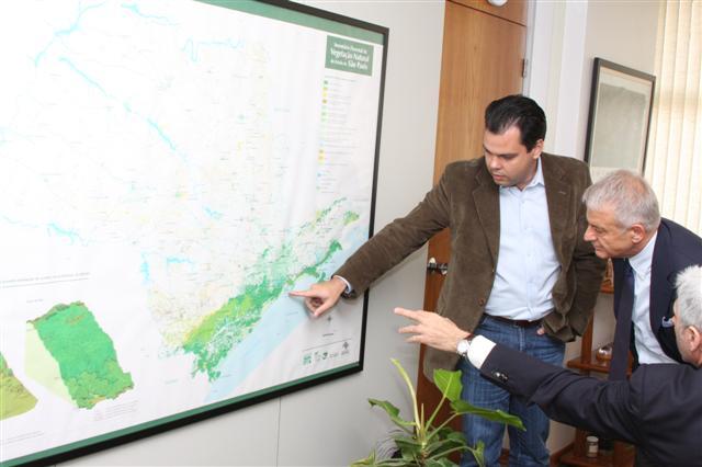 Bruno Covas recebe missão italiana e estabelece parceria