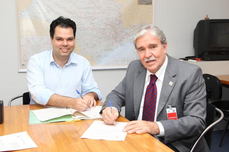 SMA firma parceria com UNESP