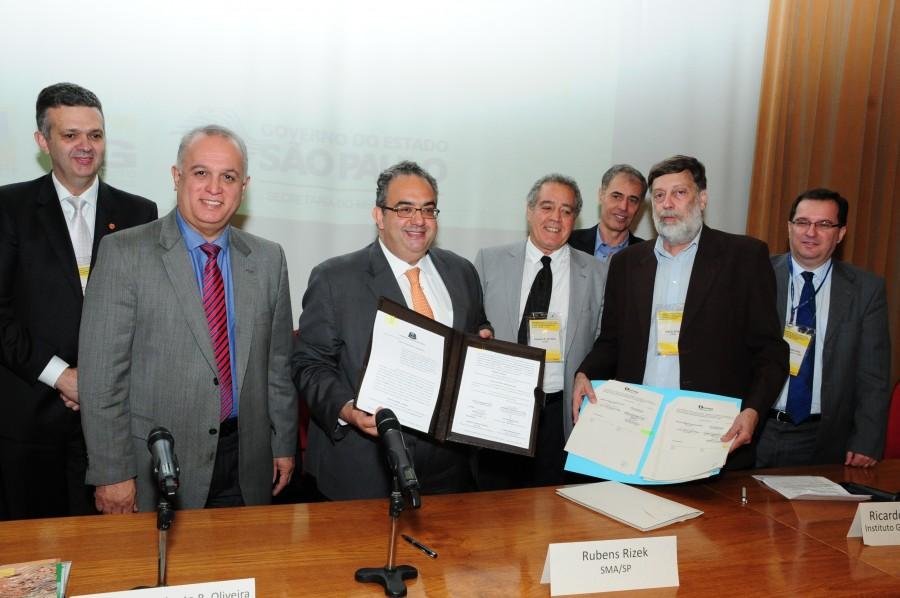 Especialistas discutem estratégias para redução de riscos e desastres naturais
