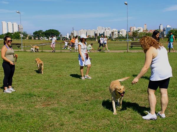 Dia Mundial dos Animais é comemorado no Parque Villa-Lobos