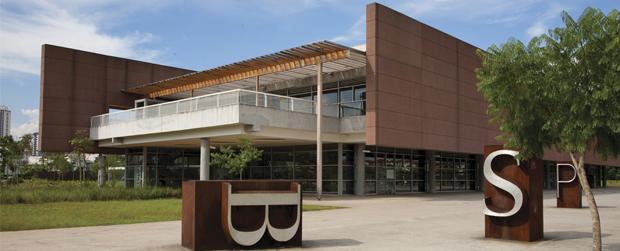 Férias nas escolas, bibliotecas abertas