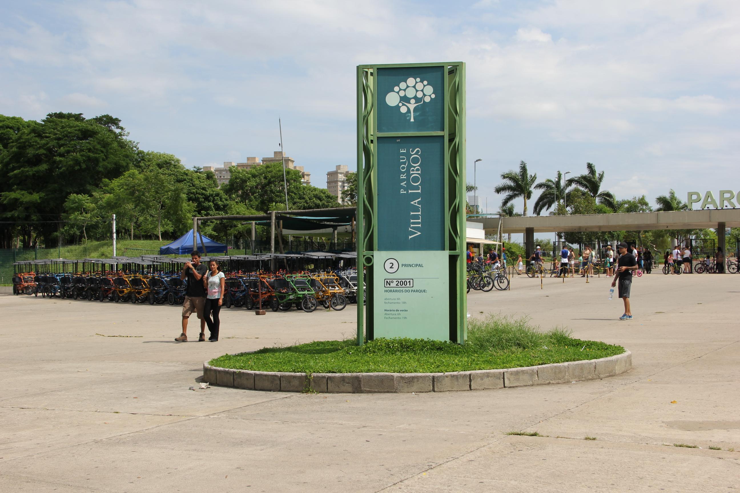 SMA esclarece cobrança de estacionamento em parques de SP