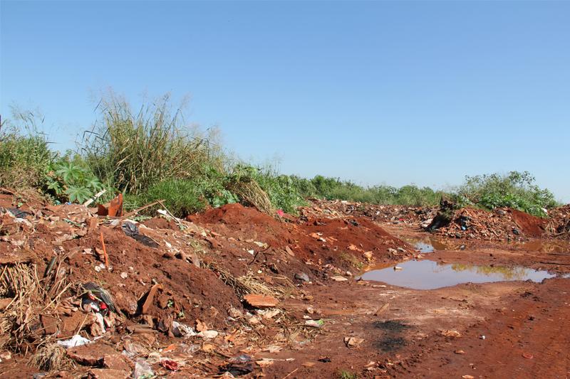 SMA e Cetesb interditam lixão de Areiópolis