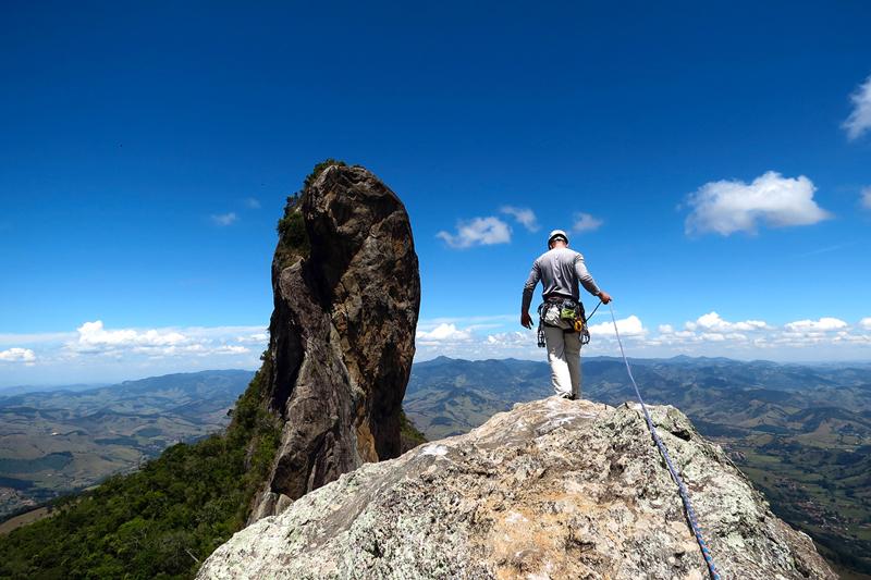 Pedra do Baú: pico de escalada e visual incrível na Mantiqueira