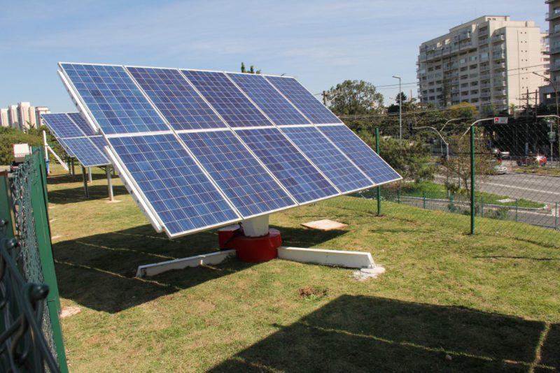 Dois parques de SP começam a ser abastecidos com energia solar
