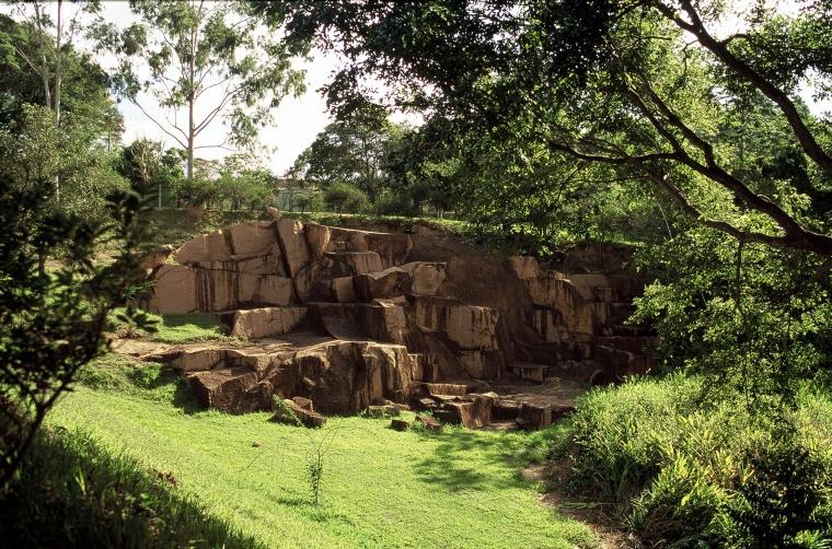 Passeio e aula de geologia no Parque da Rocha Moutonnée