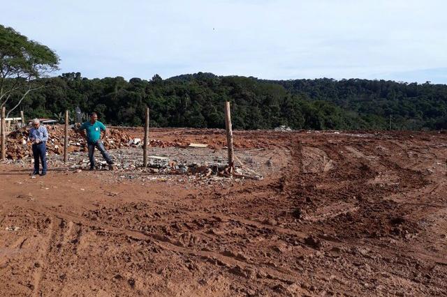 Operação flagra descarte ilegal de entulho em Suzano
