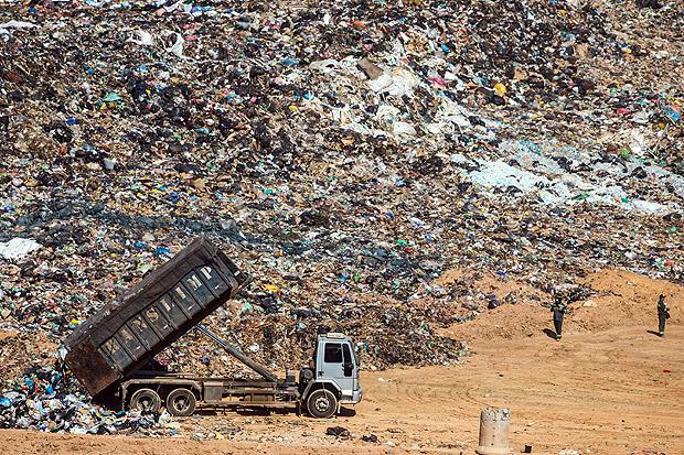 Em SP, 43 lixões ou aterros precários custam R$ 420 milhões por ano