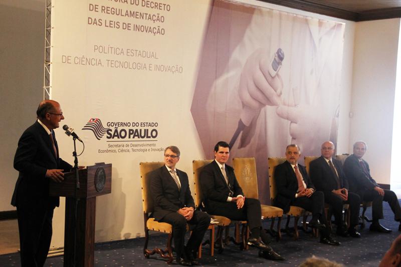 Alckmin assina decreto voltado à promoção da Ciência e da Tecnologia