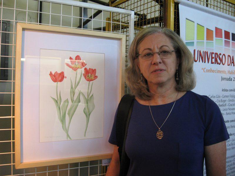 Agora aposentada, Cecília Tomasi dá aulas de ilustração botânica