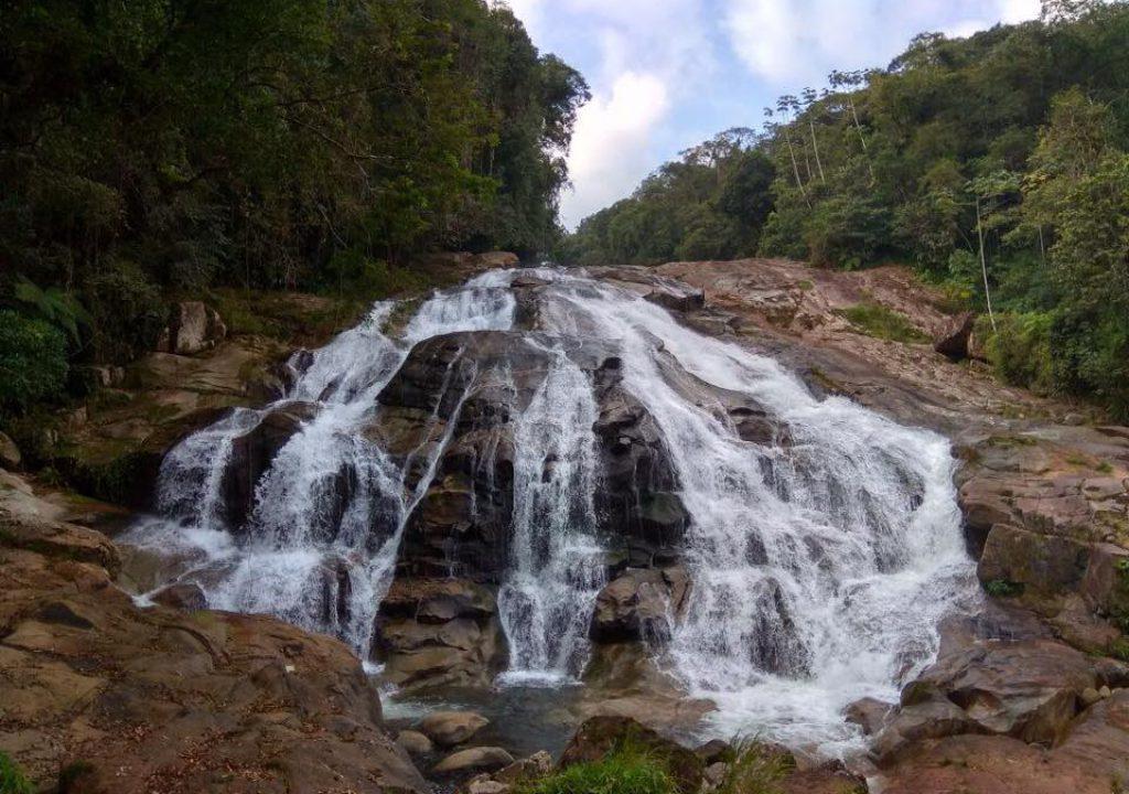 Cinco cachoeiras incríveis para se refrescar neste verão