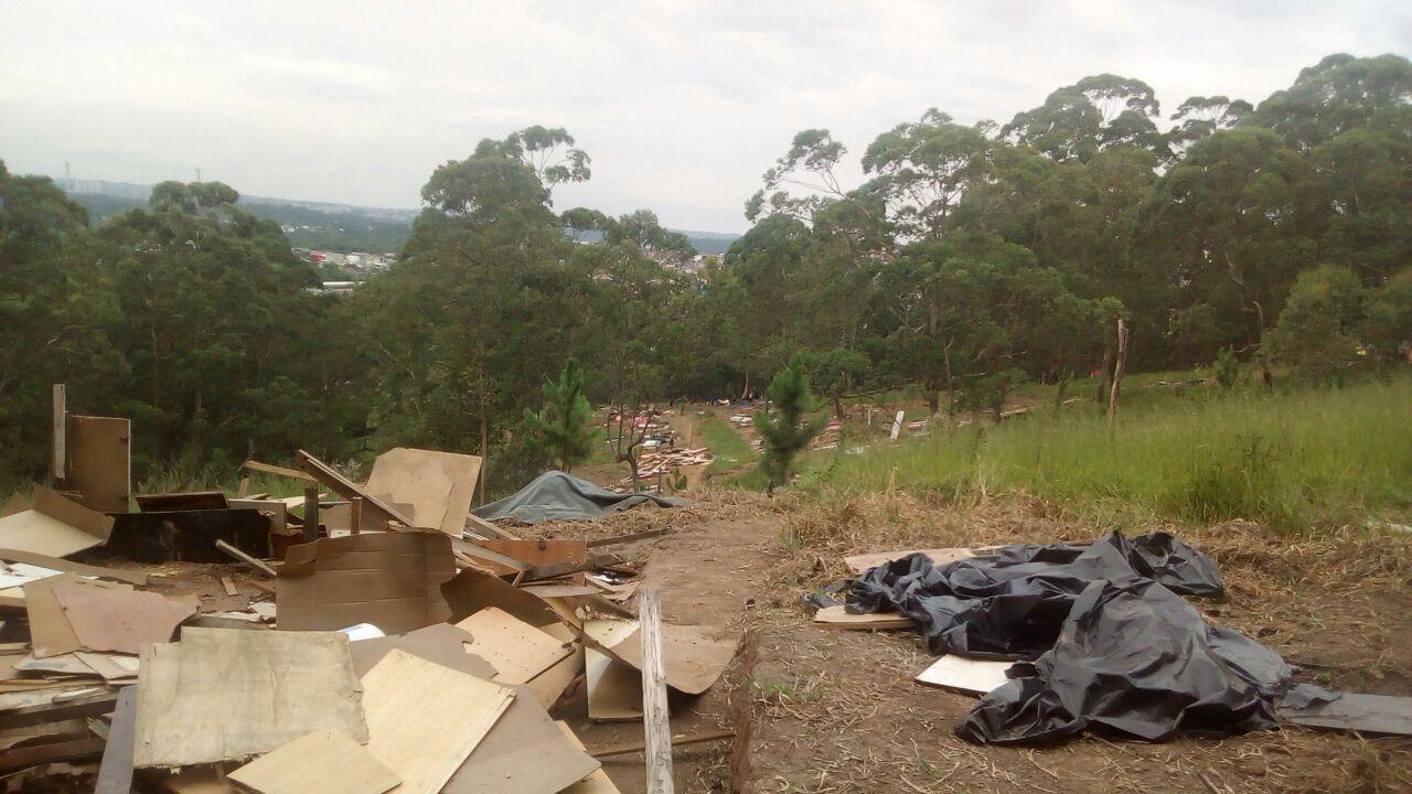 Operação no M'Boi Mirim demole mais de 250 barracos desabitados